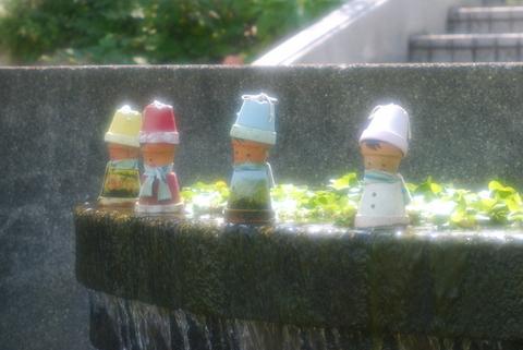 水辺の小人たち.jpg